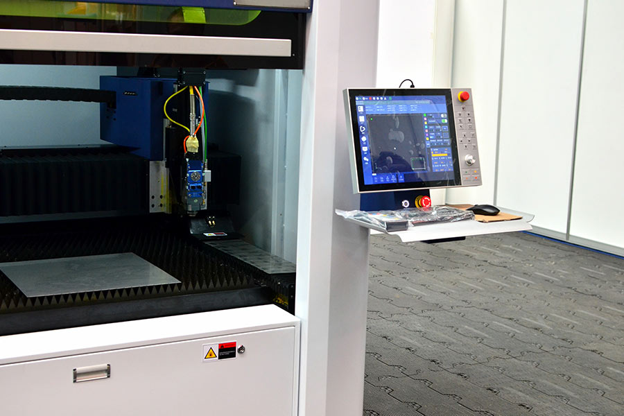 Service und Wartung einer CNC Maschine bei Göppingen